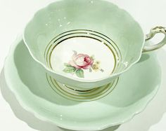 Green Paragon Tea Cup and Saucer, Double Warranty, Tea Cups Vintage, English Bone China Cups, Green Aqua Cups, Floral Cups, Made in England