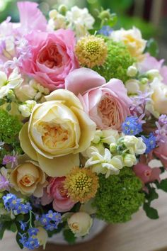 that funny thing called life Beautiful Bouquet Of Flowers, Beautiful Flower Arrangements, All Flowers, Exotic Flowers, Amazing Flowers, Beautiful Roses, Floral Arrangements, Beautiful Flowers, Wedding Flowers
