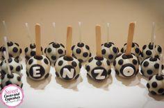 Sweet Cucas and Cupcakes by Rosângela Rolim: Pop cakes de bolas de futebol para o aniver do Enzo!!!