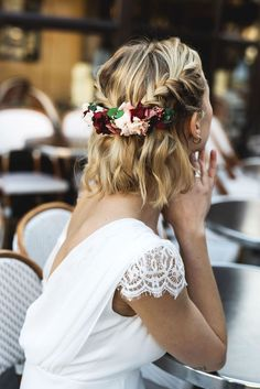"""9 Best Short Wedding Hairstyles for you in 2020 Which Can Ma.- 9 Best Short Wedding Hairstyles for you in 2020 Which Can Make You Say """"Wow! -… 9 Best Short Wedding Hairstyles for you in 2020 Which Can Make You Say """"Wow! Wedding Hair And Makeup, Wedding Updo, Boho Wedding, Paris Wedding, Dress Wedding, Wedding Vows, Boho Bridal Hair, Bridal Braids, Wedding Headpieces"""