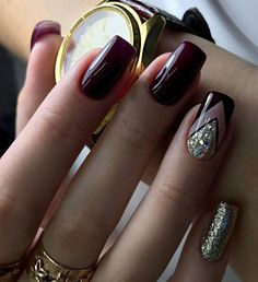 Nail art Christmas - the festive spirit on the nails. Over 70 creative ideas and tutorials - My Nails Dark Nails, Red Nails, Hair And Nails, Vernis Rose Gold, Nagellack Trends, Burgundy Nails, Manicure E Pedicure, Classy Nails, Super Nails
