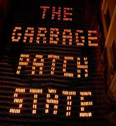 The Garbage Patch State - Madrid de Maria Cristina Finucci.   Fotografías: ©Juana Mum