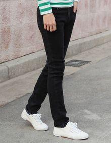 Today's Hot Pick :复古风做旧纯色牛仔裤—经典百搭 http://fashionstylep.com/SFSELFAA0005650/top3666cn/out 时尚圈的门槛,说不清高低,有灵性的物品让我们找到自己的个性和自信,复古风做旧纯色牛仔裤绝不会使你淹没在物质的世界,它坚持着自己经典的原则,低调的衬托着你的风格!百搭款式,怎么穿都有型! -牛仔裤 -经典百搭 -复古风格 -单色可选
