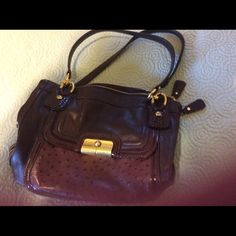 Coach Pocketbook Deep purple Coach pocketbook!! Great size for everyday. Can be carried on the shoulder and on the arm!!! Bags Shoulder Bags