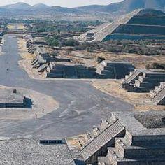 Los Aztecas y El Culto a la muerte donde mataban a los muertos y las cabezas rodaban