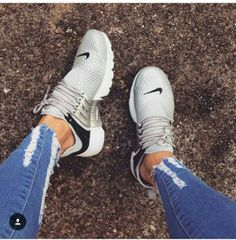 new styles 1d64a 7b71e Clothes For Gym Nike Prestos   gris et noir   - The gym is one of the  places where people can not care about their appearance and concentrate  only on ...