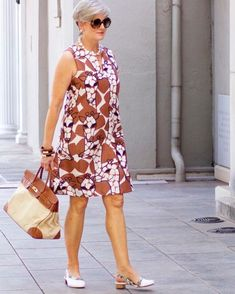 41 ideas womens fashion for summer over 50 fun for 2019 60 Fashion, Over 50 Womens Fashion, Fashion Over 50, Fashion Dresses, Fashion Styles, Elegant Outfit, Ideias Fashion, Casual Dresses, Clothes For Women