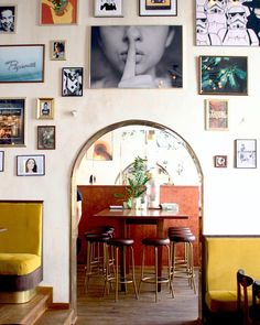 Shhhhh! #restauracja #warszawa #Warsaw #śródmieście #warsawfoodie #foodie #wilcza #poznanska #mniam #pyszne #pycha #jedzenie #bar #yum… Gallery Wall, Interiors, Bar, Frame, Shop, Instagram, Home Decor, Picture Frame, Decoration Home