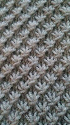 n var amerikanske /engelske video tutorials, men endelig fik jeg Knitting Stiches, Crochet Stitches, Knit Crochet, Knitting Designs, Knitting Patterns, Crochet Patterns, Outlander Knitting, Knit Dishcloth, How To Purl Knit