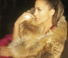Drake compra colar de platina e diamantes de mais de 94 mil euros para Jennifer Lopez https://angorussia.com/entretenimento/famosos-celebridades/drake-compra-colar-platina-diamantes-94-mil-euros-jennifer-lopez/