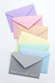 A collection of templates and tutorials on how to make paper envelopes. Each a simple DIY craft tutorial idea.