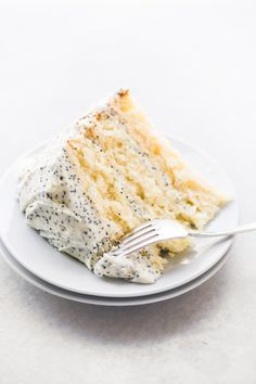 Lemon Layer Cake with Lemon Poppy Seed Buttercream ~ an easy three layer lemon cake with tons of lemon flavor! Lemon Layer Cake with Lemon Poppy Seed Buttercream ~ an easy three layer lemon cake with tons of lemon flavor! Food Cakes, Lemon Dessert Recipes, Cake Recipes, Lemon Layer Cakes, Lemon Cakes, Buttercream Recipe, Cake Toppings, Savoury Cake, Just Desserts