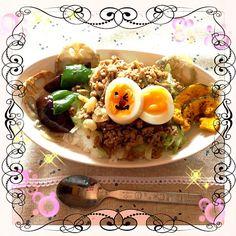 午前中お仕事の旦那さんに作って待ってまーすゴロゴロしてる息子が先に食べた - 14件のもぐもぐ - お疲れ様ドライカレー(^^) by KyonKyon1110