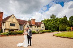 Laura & Daniel's Cain Manor wedding, captured by Local photographer Tansley Photography. Cain Manor, Local Photographers, Documentaries, Wedding Photos, House Styles, Photography, Marriage Pictures, Photograph, Fotografie