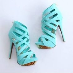 Sweet #Shoes #iloveshoes #heels #shoegame #stiletto #shoeoftheday #beautiful #highheels