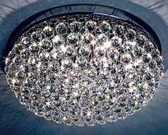 Plafon Istambul, com 65cm de diâmetro e 35cm de altura. Composto por 208 esferas de cristais egípcios ASFOUR (30% PbO). Sugestões de utilização: halls de entrada de prédios e apartamentos, salas de estar, quartos de casal. #plafondecristal #mundodasluminarias