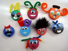 Classroom Freebies: Monster Craft and Graphing Freebie Plastic Bottle Caps, Bottle Cap Art, Graphing Activities, Craft Activities, Fun Crafts, Crafts For Kids, Arts And Crafts, Bottle Top Crafts, Monster Crafts