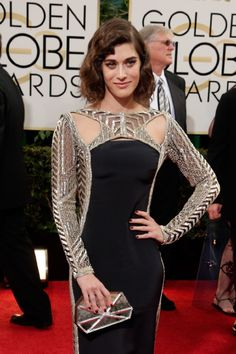 So very disappointed in Lizzy Caplan. Sigh. #2014GoldenGlobes #RedCarpet
