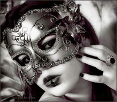 Beautiful colorful pictures and Gifs: Woman With Mask Photos-Antifaz. Masquerade Ball Costume, Black Masquerade Mask, Venetian Masquerade Masks, Masquerade Party, Mascarade Mask, Mask Girl, Beautiful Mask, Beautiful Images, Carnival Masks