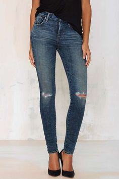 A Gold E Sophie Skinny Jean - We got the skinny on skinnies: these babies are a must-have in your artillery.