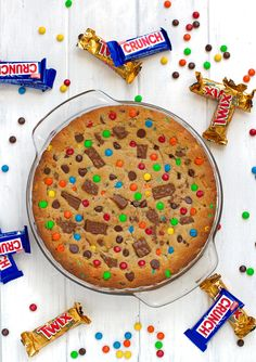M&M loaded chewy chocolate chip cookie cake recipe that's perfect to serve for birthdays! Cookie cake is soft in the center with a chewy, crunchy crust. M&m Cookie Cake Recipe, Cake Cookies, Cookies Et Biscuits, Cookie Recipes, Cupcake Cakes, Dessert Recipes, Sandwich Cookies, Shortbread Cookies, Chocolate Chip M&m Cookies