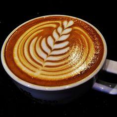 Latte Art Tulip - BaristaJam.com