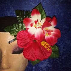Red Hawaiian flower piece with tropical leaves...available for $10 plus shipping leave your email to purchase.  #deadlydinaaccessories #hawaiin #tropical #redtones #luau #tiki #tikioasis #rocknluau #hairflowers #hairpiece #hairaccessories #pinup #retro #rockabilly #pinup
