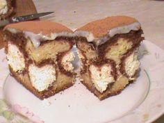 http://giznyata.ru/bluda/pirog-plyacok-utrennyaya-rosa-video-recept Настоящий шедевр вкуса и внешнего вида! Пляцок - это что-то среднее между пирогом и торто...