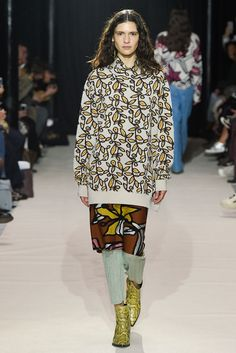 Christian Wijnants Fall 2017 Ready-to-Wear Collection Photos - Vogue Fashion Week, Winter Fashion, Fashion Looks, Paris Fashion, Mario, Christian Wijnants, Couture, Fashion Show Collection, Vogue Paris