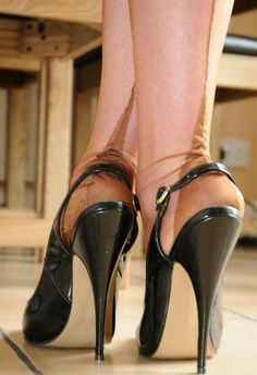 "ffncollector: "" Point heel FFN …… and stiletto … """