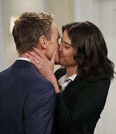 How I Met Your Mother season premiere pictures!