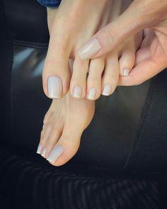 beautiful toes!