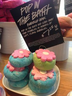 lush is having this huge bogo sale and every freaking time i try checking out something i wanted to buy goes out of stock like wUt so i just gave up