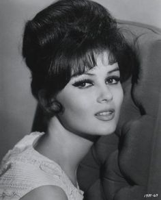 Pamela Tiffin. Oh how I love the 60's style