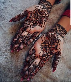Beautiful Mehndi Design - Browse thousand of beautiful mehndi desings for your hands and feet. Here you will be find best mehndi design for every place and occastion. Quickly save your favorite Mehendi design images and pictures on the HappyShappy app. Henna Hand Designs, Dulhan Mehndi Designs, Mehandi Designs, Mehndi Designs Finger, Simple Arabic Mehndi Designs, Stylish Mehndi Designs, Mehndi Design Pictures, Beautiful Henna Designs, Latest Mehndi Designs