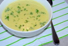 Romige witlofsoep met kerrie en appel Soup Recipes, Vegetarian Recipes, Healthy Recipes, Recipies, Different Recipes, Soup And Salad, Soups And Stews, Healthy Cooking, Food And Drink