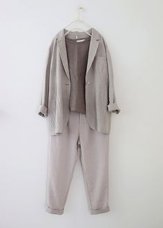 라르니에 정원 LARNIE Vintage&Zakka Arab Fashion, Korean Fashion, Womens Fashion, Linen Jackets, Hijab Outfit, Minimal Fashion, Casual Outfits, Fashion Dresses, Normcore