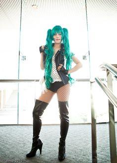Vocaloid. Character:  Hatsune Miku.Cosplayer: Jessie Pridemore 'aka' Rufflebutt 'aka' AnimeAngel 'aka' JPrideMonster. US. Event: Otakon 2010. Photo: L Jinto.