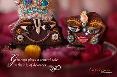 Cute Krishna, Krishna Radha, Radha Krishna Wallpaper, Bhagavad Gita, Krishna Images, Indian Gods, Indian Designer Wear, Deities, Hare