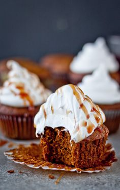 Gingerbread Cupcakes with Marshmallow Frosting Pomegranate Caramel holiday baking Cupcake Recipes, Cupcake Cakes, Dessert Recipes, Just Desserts, Delicious Desserts, Yummy Food, Holiday Baking, Christmas Baking, Christmas Cookies