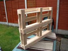▶ How to build bookshelf from pallets - YouTube
