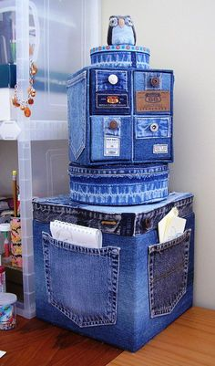 Old Jeans DIY Reuse Ideas - MB Desire DIY and Crafts. Really interesting and original idea, could make a storage solution a bit more personal and eye-catching. Good idea - Jeans or Anything to recover random, cheaper storage boxes/cubes Old Jeans DIY Reus Jean Crafts, Denim Crafts, Diy Jeans, Denim Furniture, Furniture Ideas, Jean Diy, Denim Ideas, Denim Bag, Recycled Crafts