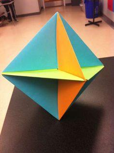 Origami abstracto para decorar una habitación