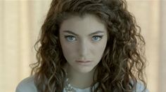 I love her eye makeup in this ->Royals (US Version) by Lorde