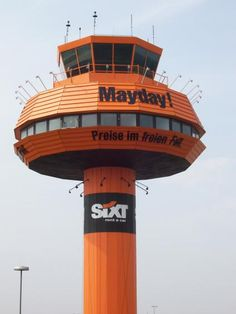 Mayday! #Sixt #Airport #Werbung http://sixt.info/airportadvertising