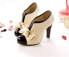 Cute boot heels..perfect for shopping trips!