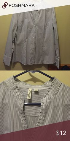 Women's dress shirt Long sleeve striped with v neck detail stretch St. John's Bay Tops Button Down Shirts