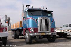 http://www.hankstruckpictures.com/pix/trucks/road_trip_may2004/day06/dsc_2172.jpg
