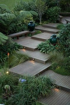 Here are outdoor lighting ideas for your yard to help you create the perfect nighttime entertaining space. outdoor lighting ideas, backyard lighting ideas, frontyard lighting ideas, diy lighting ideas, best for your garden and home Garden Steps, Garden Paths, Garden Tools, Moss Garden, Garden Fencing, Backyard Landscaping, Landscaping Ideas, Modern Backyard, Landscaping Software