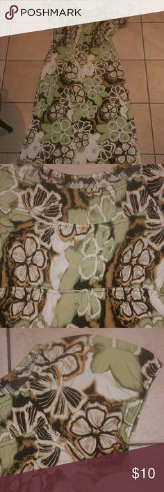 Maxi dress Preowned- elastic waist- puff sleeves-hues of green, orange, brown, and cream Tiana B Dresses Maxi